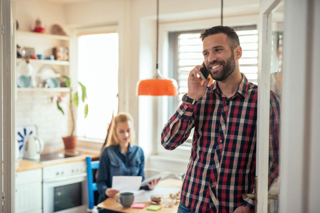 Hohe Kundenzufriedenheit, niedrigere Kosten: Das ungenutzte Potenzial von Voicebots im Kundenservice